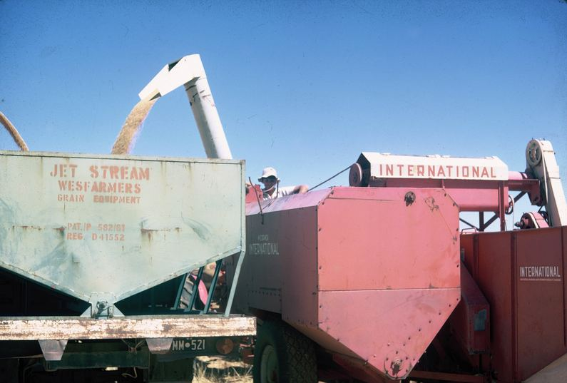 Ross collection: Bulk handling arrives. Jetstream bin and International Header